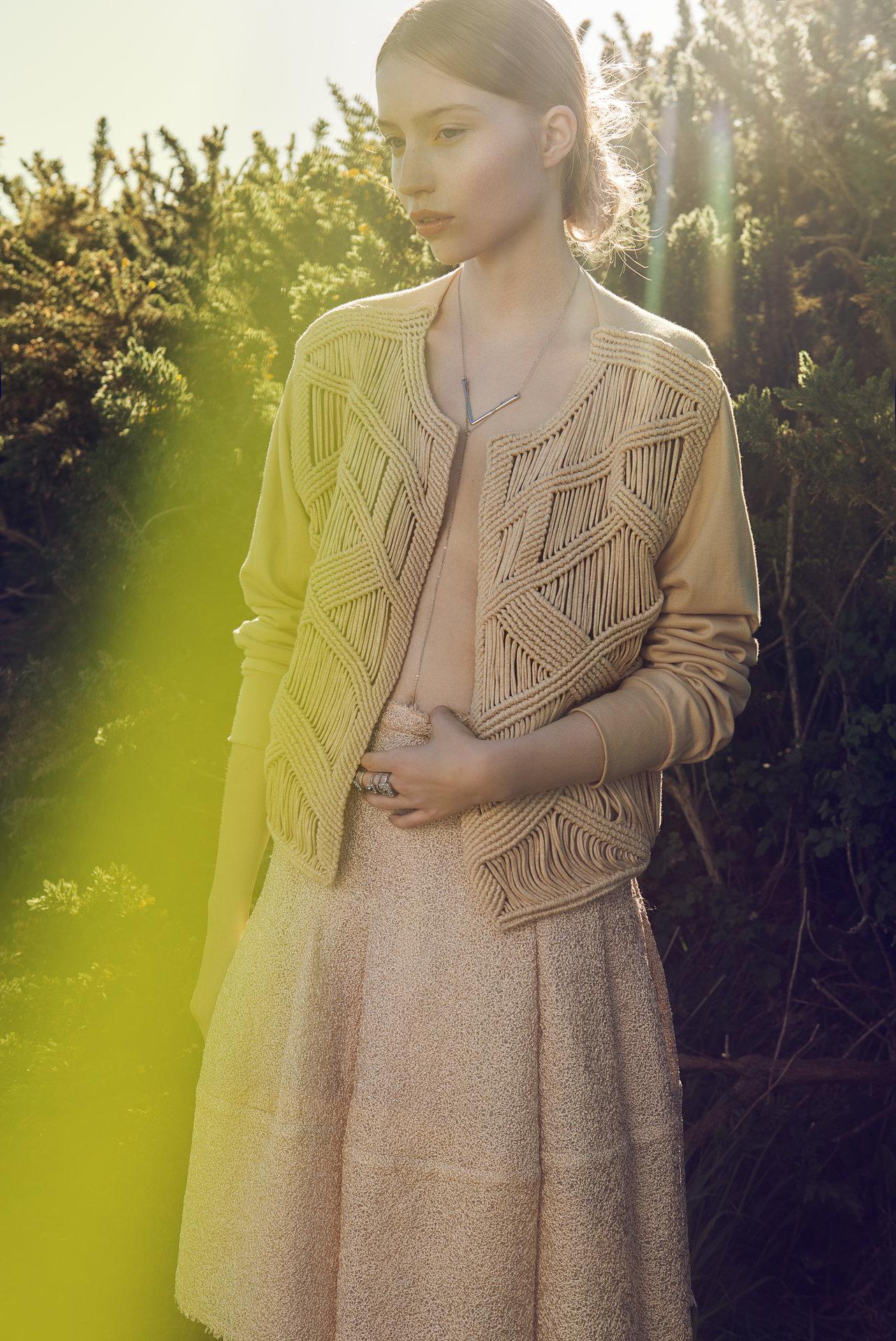 JUTE FASHION MAGAZINE  Hair & Makeup & Manicure: Melanie Volkart Photographer: Ellin Anderegg  Stylist: Sabine Lauber  Model: Romaine @ Mademoiselle Agency